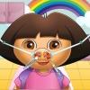 Linda niña de nariz médico juego