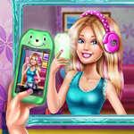 Ellie Fab Selfie game