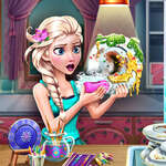 Ice Queen Dish Washing game