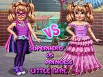Малко момиче супергерой срещу принцеса игра