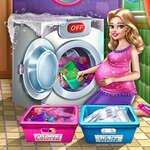 Maman lave les vêtements jeu