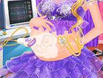 Terhes hercegnő gondoskodó játék
